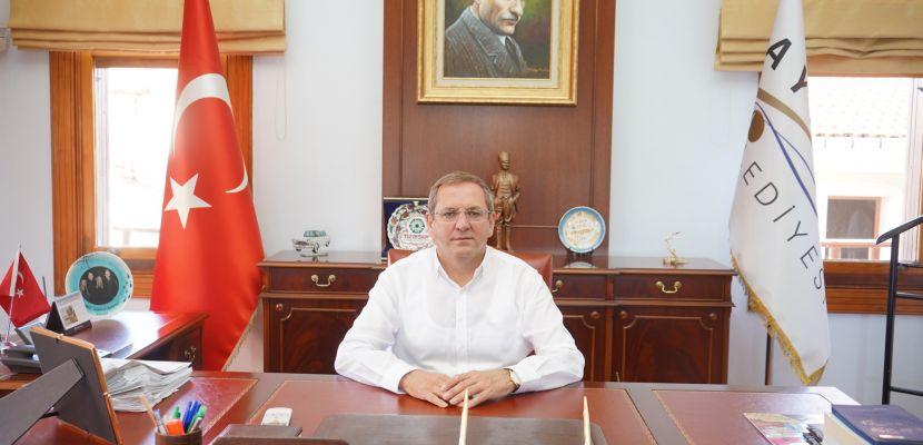 Ayvalık Belediye Başkanı Mesut Ergin; 'Coşkuyu yüreğimizde yaşıyoruz'