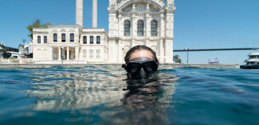 """Şahika Ercümen: """"Suyun altında yalnız kalıyorum"""""""