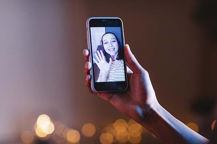 Yılbaşını 55 milyon kişi canlı yayınla online olarak kutladı