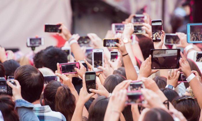 Geleceğe damgası vurması beklenen cep telefonu teknolojiler